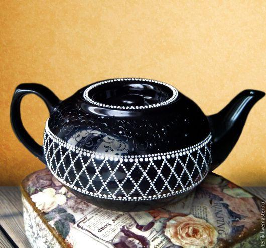 чайник, чайник заварочный, чайник заварочный фарфоровый, чайник фарфоровый с росписью, авторская роспись фарфора, чайная посуда, посуда , маленький плоский чайник, точечная роспись