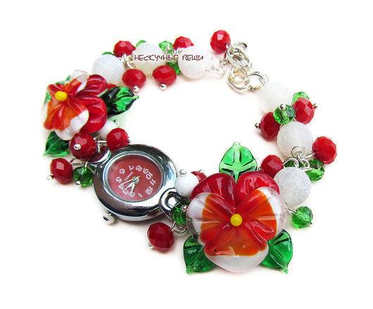 """Часы ручной работы. Ярмарка Мастеров - ручная работа. Купить """"Клюква в сахаре"""" наручные часы с бусинами лэмпворк. Handmade."""