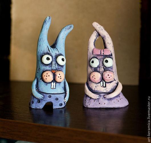 фигурка зайца  заяц из глины  купить зайца сувенир заяц  заяц керамика  фигурка кролика  розовый кролик купить зайца купить статуэтку зайца магазин фигурок  фигурки кроликов