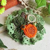 """Украшения ручной работы. Ярмарка Мастеров - ручная работа """"Бархатцы""""  брошь бохо зеленый оранжевый цветок. Handmade."""