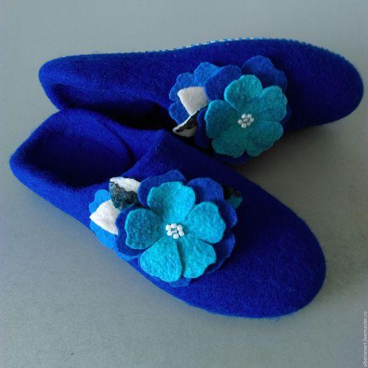 """Обувь ручной работы. Ярмарка Мастеров - ручная работа. Купить Тапочки валяные """"Интуиция"""". Handmade. Синий, войлочные тапочки"""