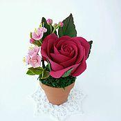 Цветы и флористика ручной работы. Ярмарка Мастеров - ручная работа Бордовая роза и сакура. Handmade.