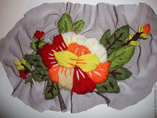 Декоративной вставка для украшения изделий: платьев, сарафанов, юбок, сумок.