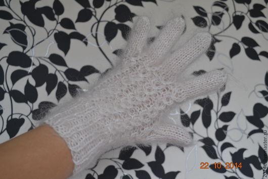Варежки, митенки, перчатки ручной работы. Ярмарка Мастеров - ручная работа. Купить перчатки пуховые теплые. Handmade. Белый