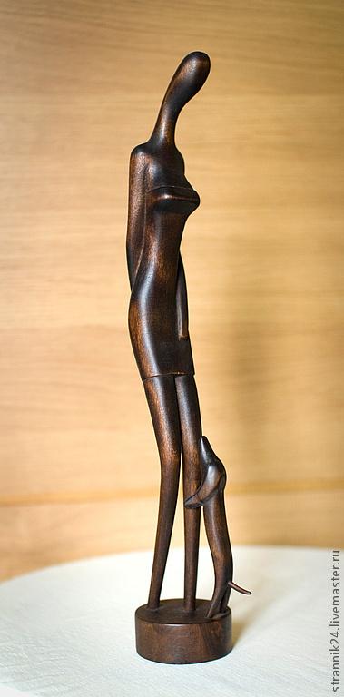 """Статуэтки ручной работы. Ярмарка Мастеров - ручная работа. Купить """"Дама с собачкой"""" скульптура из дерева. Handmade. Коричневый, скульптура, женщина"""
