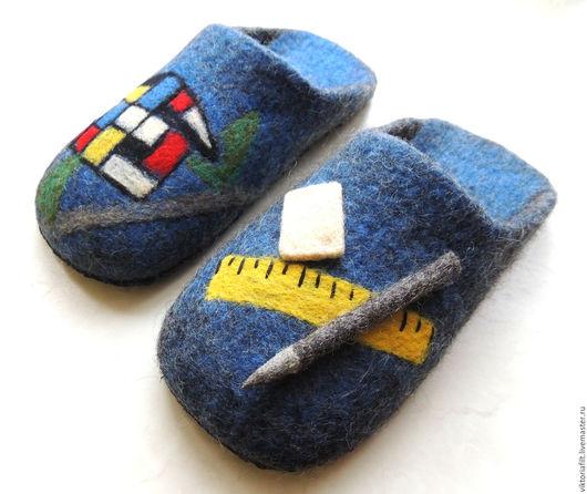 """Обувь ручной работы. Ярмарка Мастеров - ручная работа. Купить Тапочки валяные мужские """"Юному архитектору"""". Handmade. Тёмно-синий"""