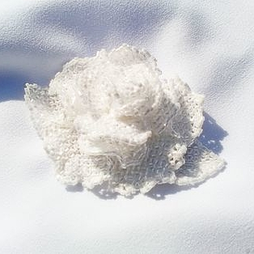 Свадебный салон ручной работы. Ярмарка Мастеров - ручная работа НЕВЕСТА Белая роза-брошь из японского бисера delica. Handmade.