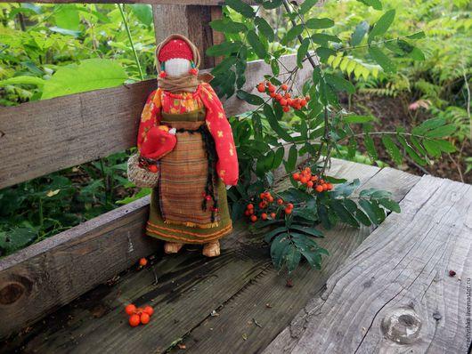 Народные куклы ручной работы. Ярмарка Мастеров - ручная работа. Купить Рябинка. Handmade. Рябина, ягоды рябины, русская традиция