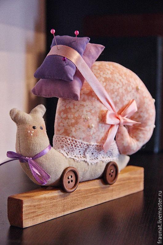 Куклы Тильды ручной работы. Ярмарка Мастеров - ручная работа. Купить Улитки Тильда в розово-сиреневой гамме. Handmade. Фиолетовый