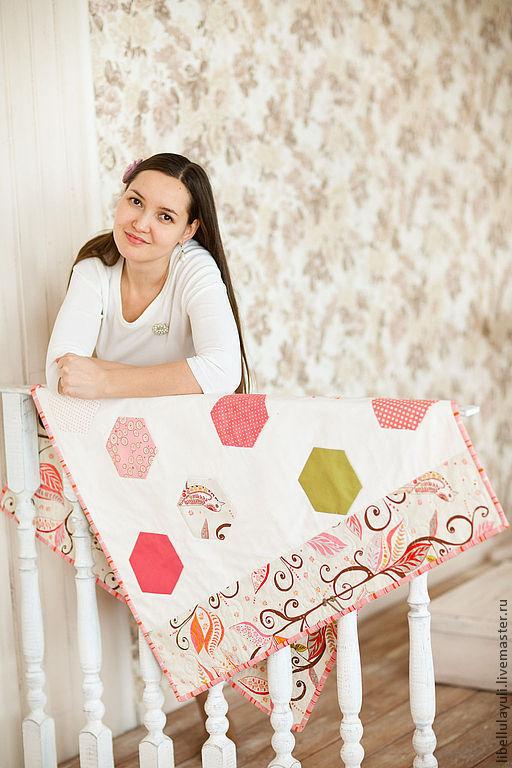 """Детская ручной работы. Ярмарка Мастеров - ручная работа. Купить Детское лоскутное одеяло """"Соты"""". Handmade. Лоскутное одеяло, пэчворк"""