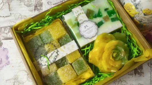 """Мыло ручной работы. Ярмарка Мастеров - ручная работа. Купить Набор """"Яблоневый Сад""""// набор мыла с ароматом зелёного. Handmade."""