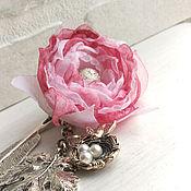 Канцелярские товары handmade. Livemaster - original item Bookmark with pink fabric flower. swallow`s nest.. Handmade.