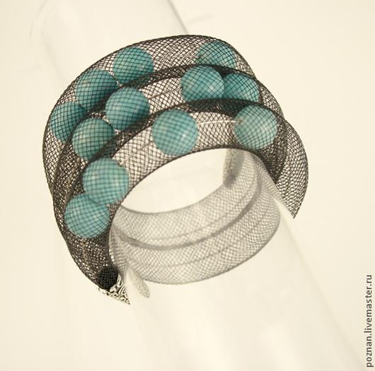 браслет `Бирюза в сетке`- модное и оригинальное украшение.
