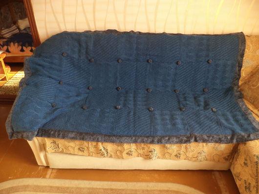 Текстиль, ковры ручной работы. Ярмарка Мастеров - ручная работа. Купить Плед вязаный на тканевой основе ручной работы с подушкой. Handmade.