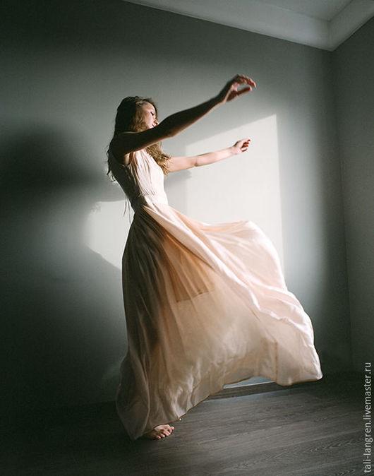 """Платья ручной работы. Ярмарка Мастеров - ручная работа. Купить Шёлковое платье """"spring breath"""". Handmade. Бежевый, торжественное платье"""