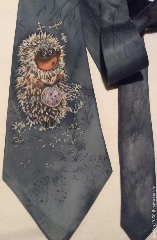"""Галстуки, бабочки ручной работы. Ярмарка Мастеров - ручная работа. Купить галстук """"Ежик в тумане и комарики"""". Handmade. Серый, Батик"""