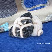 """Украшения handmade. Livemaster - original item Валяная брошь из шерсти """"Мопс"""", мопсик - брошка ручной работы. Handmade."""
