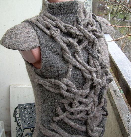 """Кофты и свитера ручной работы. Ярмарка Мастеров - ручная работа. Купить Джемпер """"Мужской стиль для самой женственной из лодена """". Handmade."""