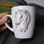 Кружки ручной работы. Ярмарка Мастеров - ручная работа Кружка «Белая лошадь». Handmade.