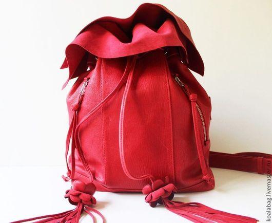Рюкзаки ручной работы. Ярмарка Мастеров - ручная работа. Купить Женский рюкзак-мешок в коралловом цвете. Handmade. Ярко-красный