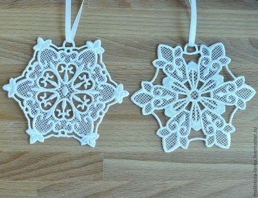 Новый год 2017 ручной работы. Ярмарка Мастеров - ручная работа. Купить Снежинки подвески. Handmade. Белый, подвеска на окно