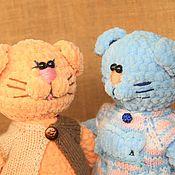 Мягкие игрушки ручной работы. Ярмарка Мастеров - ручная работа Парные подарки-котики из плюшевой пряжи.. Handmade.