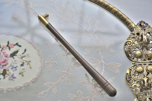 Вышивка ручной работы. Ярмарка Мастеров - ручная работа. Купить Люневильский Крючок (комплект ручка+ 3 иглы). Handmade. Коричневый