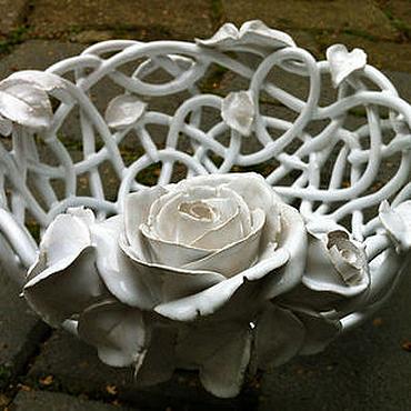 Посуда ручной работы. Ярмарка Мастеров - ручная работа Фруктовница Белая роза. Handmade.