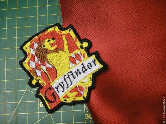 Комплекты аксессуаров ручной работы. Ярмарка Мастеров - ручная работа. Купить Гарри Поттер Гриффиндор герб гриффиндора купить Эмблема гриффиндора. Handmade.