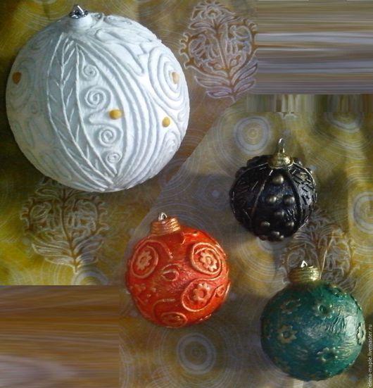 Новый год 2017 ручной работы. Ярмарка Мастеров - ручная работа. Купить Новогодний шар D-5см. Handmade. Разноцветный