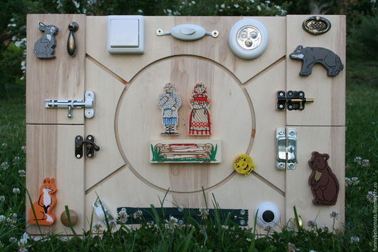 Развивающие игрушки ручной работы. Ярмарка Мастеров - ручная работа. Купить Бизиборд развивающая доска Монтессори Колобок. Handmade. Бизиборд