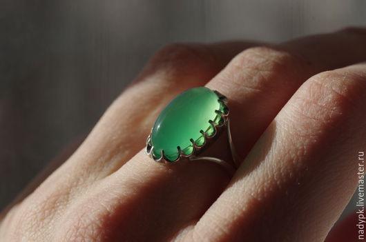 """Кольца ручной работы. Ярмарка Мастеров - ручная работа. Купить Кольцо с хризопразом """"Яркое"""", серебро. Handmade. Ярко-зелёный"""
