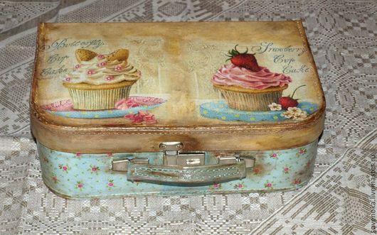 """Чемоданы ручной работы. Ярмарка Мастеров - ручная работа. Купить Чемодан """"Vintage dessert """" mini. Handmade. Чемодан, Декупаж"""