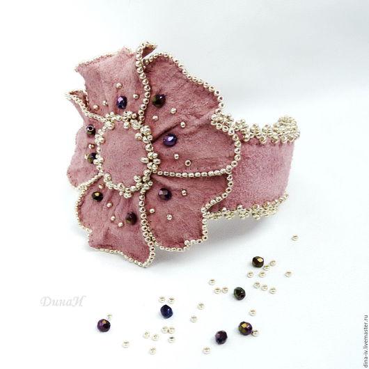 Браслеты ручной работы. Ярмарка Мастеров - ручная работа. Купить Браслет Летний Замша Бисер розовый серебряный Пыльная роза. Handmade.
