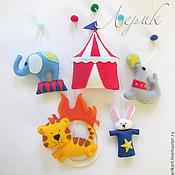 """Куклы и игрушки ручной работы. Ярмарка Мастеров - ручная работа Мобиль на кроватку новорожденному из фетра """"Цирк"""". Handmade."""