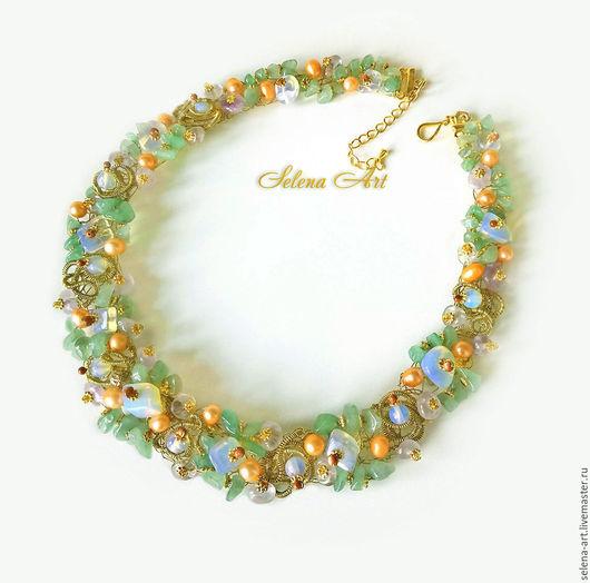 Нежное, женственное весеннее украшение. В работе использованы аметисты, жемчуг, авантюрин, адуляр (имитация).