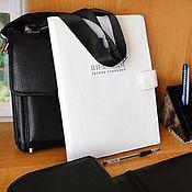 Папки ручной работы. Ярмарка Мастеров - ручная работа Папка для документов а4 кожа Подарок мужчине Кожаная папка с логотипом. Handmade.
