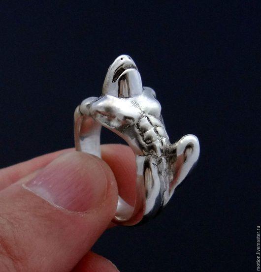 Кольца ручной работы. Ярмарка Мастеров - ручная работа. Купить Серебряная Акула. Handmade. Акула, кольцо из серебра, авторское кольцо