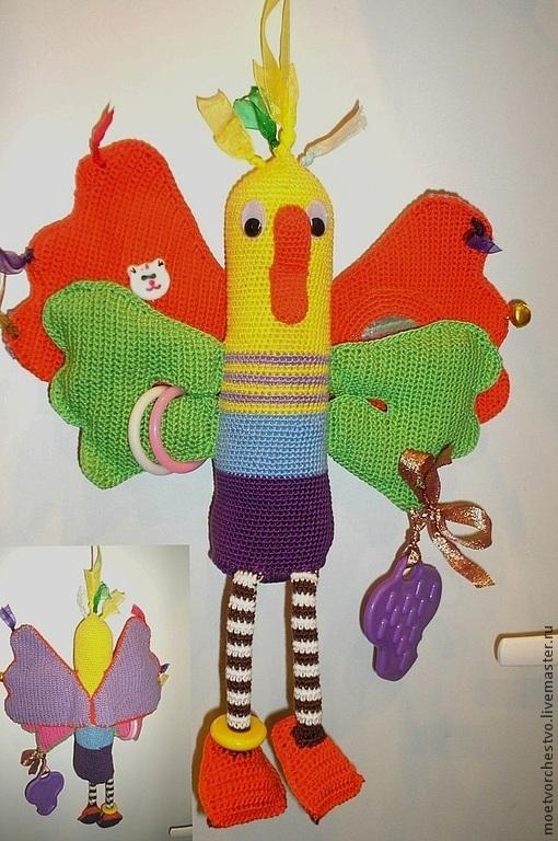 Развивающие игрушки ручной работы. Ярмарка Мастеров - ручная работа. Купить Развивающая вязаная игрушка  Сказочная утка шуршит, пищит, греми (0+m). Handmade.