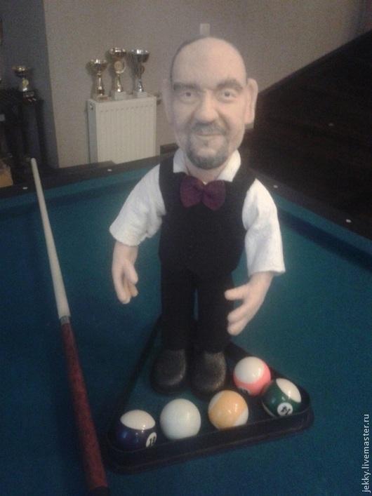 Портретные куклы ручной работы. Ярмарка Мастеров - ручная работа. Купить Портретная кукла на заказ по фото - Бильярдист. Handmade. Бежевый