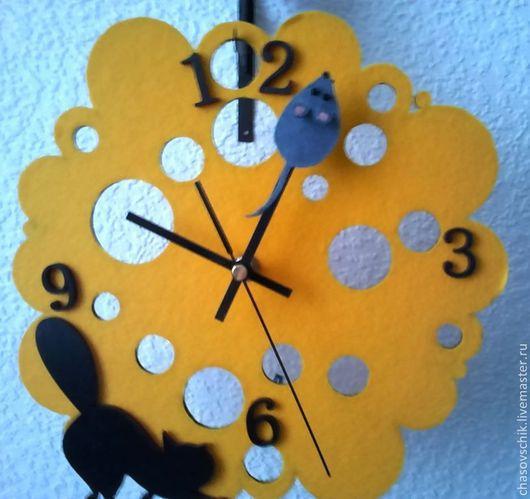 """Часы для дома ручной работы. Ярмарка Мастеров - ручная работа. Купить Часы настенные на кронштейне """"Чей сыр?"""". Handmade. Желтый"""