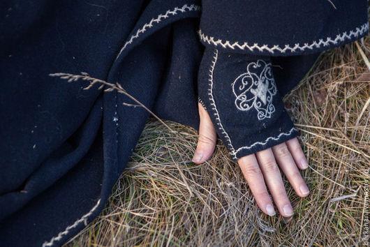 """Варежки, митенки, перчатки ручной работы. Ярмарка Мастеров - ручная работа. Купить Митенки с вышивкой """" Сбежавшая принцесса"""". Handmade."""