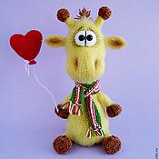 Мягкие игрушки ручной работы. Ярмарка Мастеров - ручная работа Вязаный жираф. Handmade.