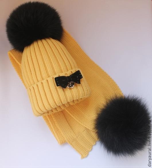 Тёплый, мягкий, нежный, удобный, яркий, стильный  комплект из итальянской шерсти мериноса экстрафайн.