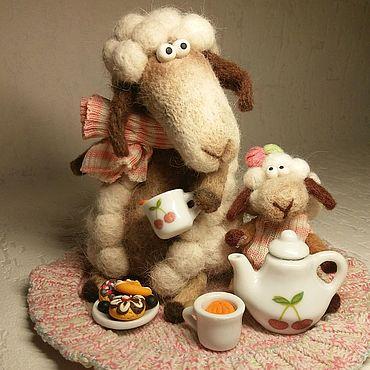 Куклы и игрушки ручной работы. Ярмарка Мастеров - ручная работа Забавные Овечки из шерсти Уютный вечер чаепитие. Handmade.