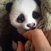 Куклы и игрушки ручной работы. Ярмарка Мастеров - ручная работа Малыш панда (дом нашел). Handmade.