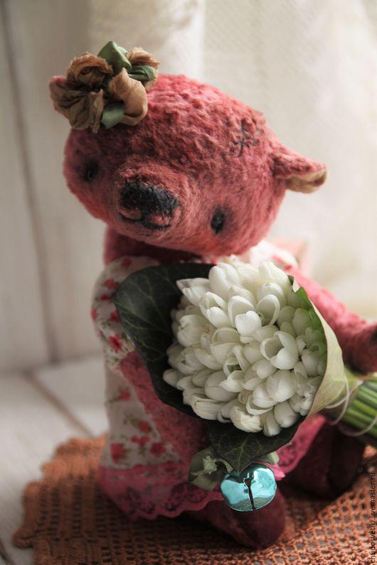 Мишки Тедди ручной работы. Ярмарка Мастеров - ручная работа. Купить Первый весенний цветочек:). Handmade. Розовый, мишка в одежде