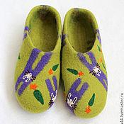 """Обувь ручной работы. Ярмарка Мастеров - ручная работа Домашние тапочки """"Зайцы"""".. Handmade."""