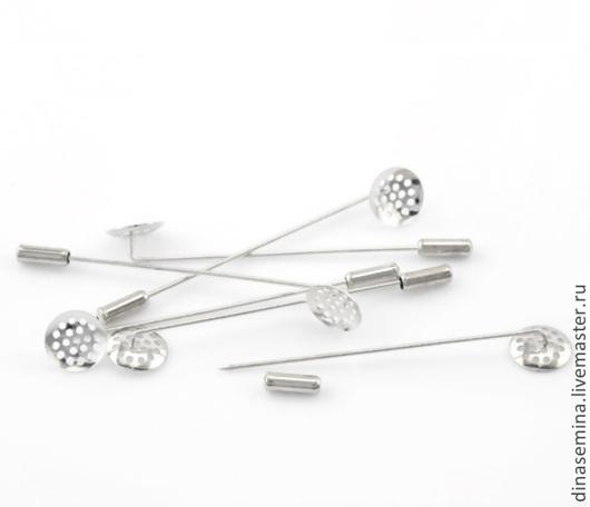 Ситечко с иглой серебристая (защитный наконечник снимается, плотно сидит, не спадает, если брошь находится в закрытом состоянии) Общая длина 7,3см, диск д14мм 1шт - 20 руб