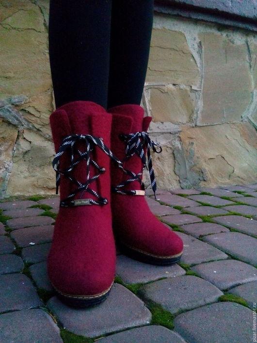 """Обувь ручной работы. Ярмарка Мастеров - ручная работа. Купить Валенки-ботинки  """"Клубника"""". Handmade. Бордовый, винный"""